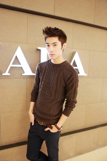 Модный мужской свитер для стильных мужчин  - 1