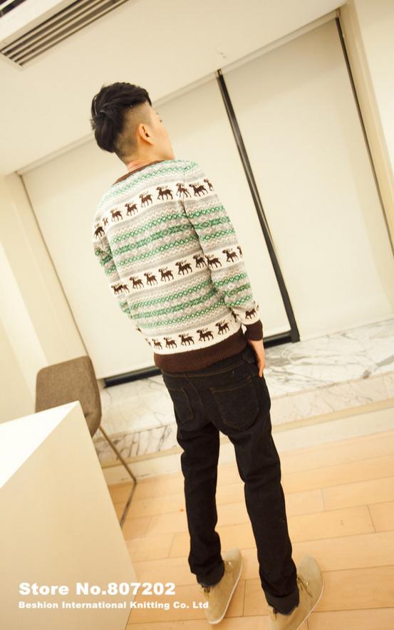 Вязанный свитер с оленями для мужчин  - 8