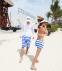 Полосатые пляжные шорты для мужчин  - 2