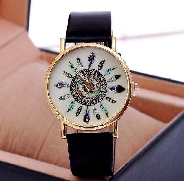 Нью-павлина год сбора винограда перо модели ремень свободного покроя дамы кварцевые часы для женщин прямая поставка милый любовь стол дешевые подарок W10060