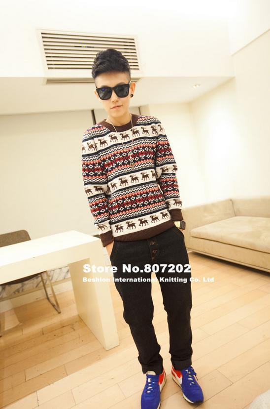 Вязанный свитер с оленями для мужчин
