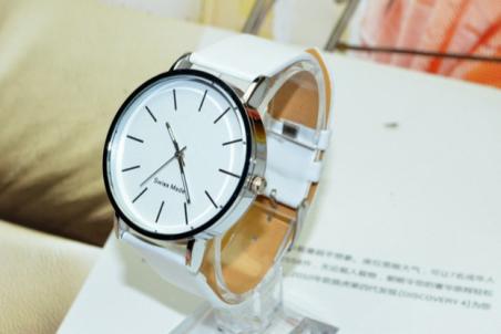 2014 новый человек люксовый бренд часы свободного покроя кожаный ремешок наручные часы дамы кварцевые часы мужской часы Relogio Masculino