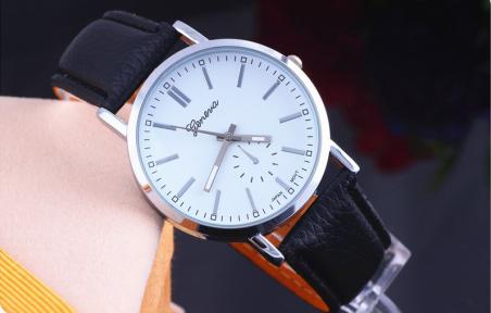 2014 новинка ремень простой бизнес свободного покроя женева известных марок мужчины самая низкая цена ограниченное время наручные часы