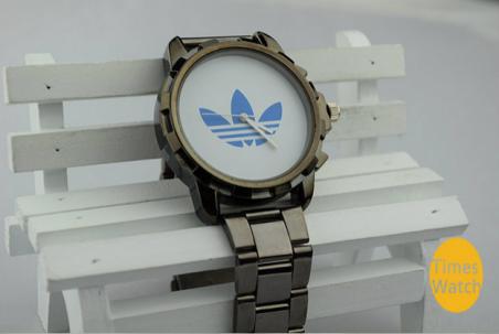 Новый продукт моде любителей часы большого набора роскошный клевер бизнес-часы мужчин и женщин спортивные часы высокое качество