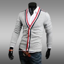 Трикотажный свитер №1